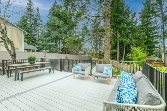 5 Signs You Need to Repair Your Deck